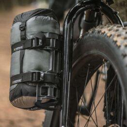 bagażnik-bikepacking-na-widelec-topeak-versacage